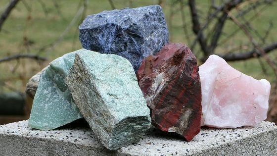 Камни, полезные ископаемые