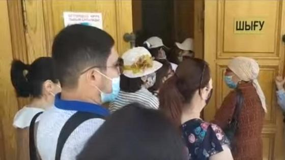 Жители пришли в госучреждение