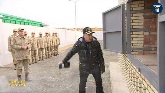 Түрікменстан президенті есірткіні пешке салып, өртеп жіберді