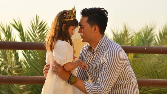 Санжар Мади с дочерью