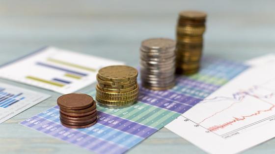 Столбик монет на экономических графиках