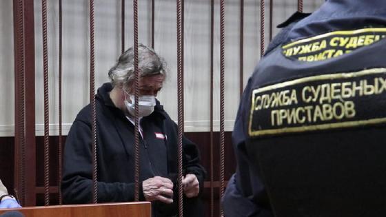 Ефремов сидит за решеткой