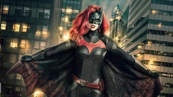 постер сериала «Бэтвумен»
