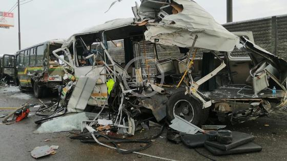 Искореженный автобус