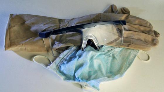 Защитные перчатки, очки, маска