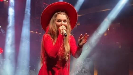 Анна Седокова на концерте в Актау