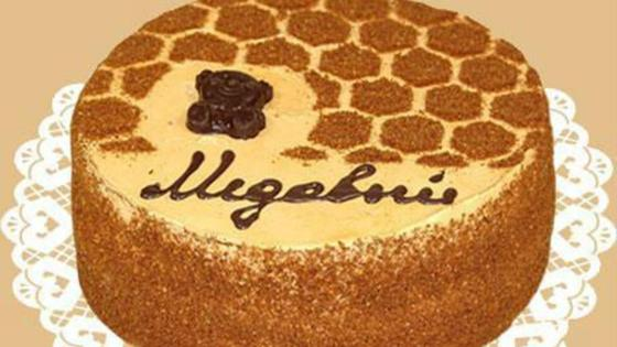 Медовый торт: простой рецепт со сгущенкой