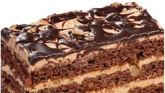 Торт «Сникерс». Кусочек