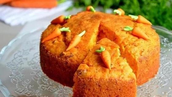 Испеченный морковный пирог